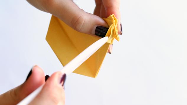pliage avec plioir de poules de paques en origami tutoriel eclat de verre