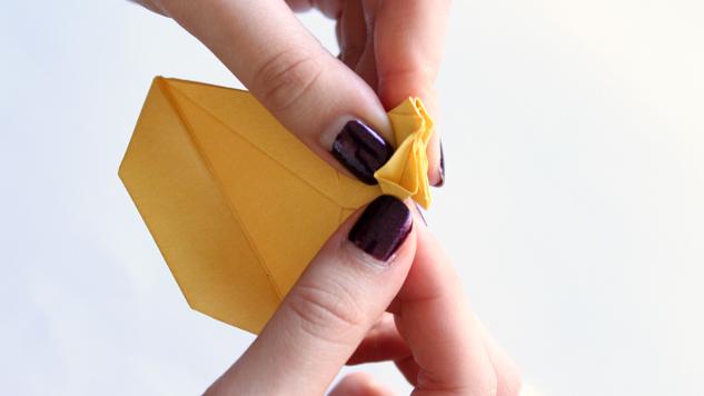 pliage de poules de paques en origami tutoriel eclat de verre